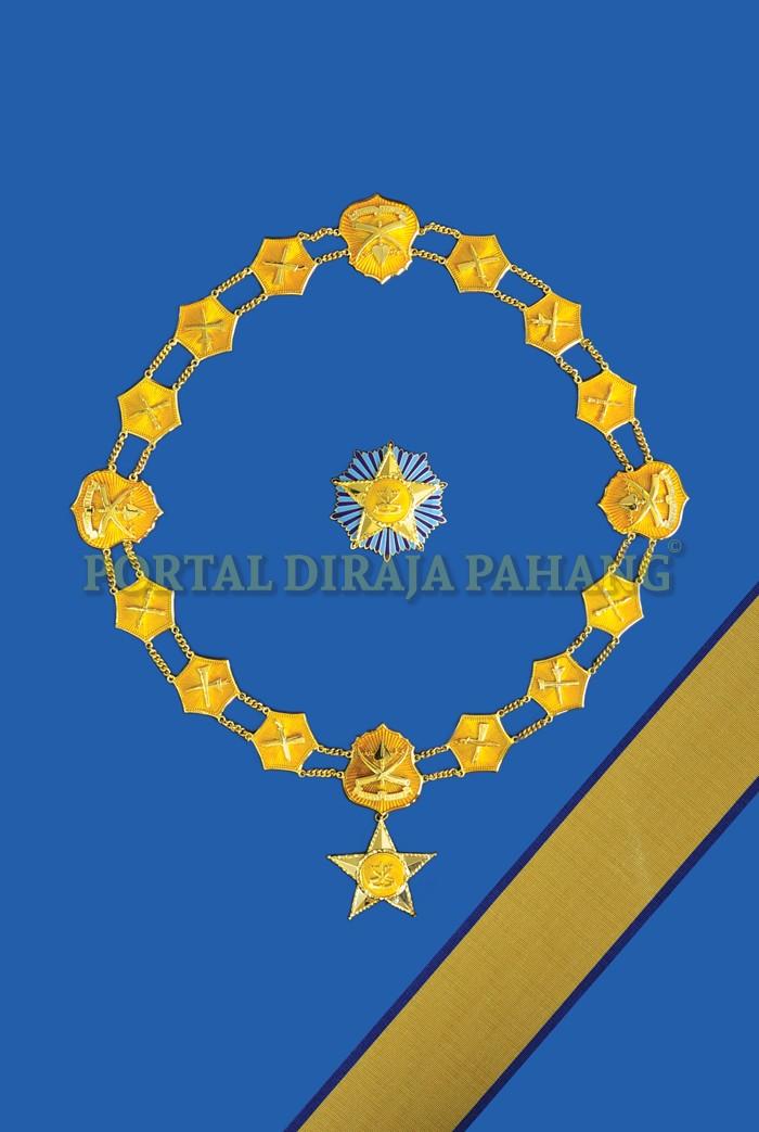 c28716ddfe805e Darjah Kebesaran Peringkat Pertama yang membawa gelaran Dato  adalah  dicadangkan bagi kurniaan sebagai satu kehormatan yang istimewa terutamanya  kepada ...