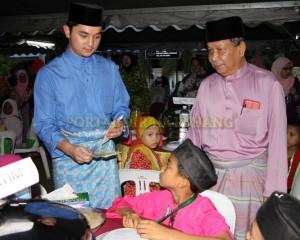 MASJID PERLU PROAKTIF JANA PROGRAM MEMBANTU FAKIR DAN MISKIN – TENGKU MAHKOTA PAHANG (15)