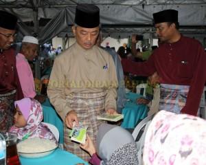 MASJID PERLU PROAKTIF JANA PROGRAM MEMBANTU FAKIR DAN MISKIN – TENGKU MAHKOTA PAHANG (18)