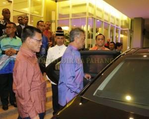 TENGKU MAHKOTA PAHANG BERANGKAT DI MAJLIS SANTAPAN MAKAN MALAM UMP (7)