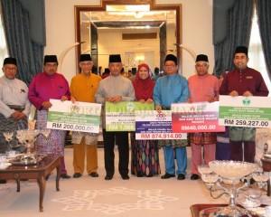 Zakat Perniagaan diterima Tengku Mahkota Pahang (1)