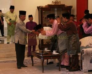Zakat Perniagaan diterima Tengku Mahkota Pahang (10)