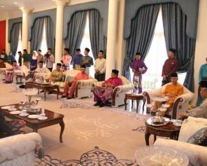 Zakat Perniagaan diterima Tengku Mahkota Pahang (11)