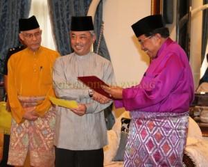 Zakat Perniagaan diterima Tengku Mahkota Pahang (13)