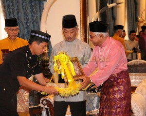 Zakat Perniagaan diterima Tengku Mahkota Pahang (14)