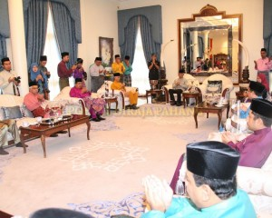 Zakat Perniagaan diterima Tengku Mahkota Pahang (15)