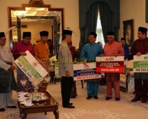 Zakat Perniagaan diterima Tengku Mahkota Pahang (7)