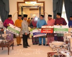 Zakat Perniagaan diterima Tengku Mahkota Pahang (9)