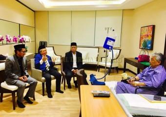 Perdana Menteri  Ziarah Pemangku Raja Pahang di Hospital (10)
