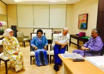 Perdana Menteri  Ziarah Pemangku Raja Pahang di Hospital (3)