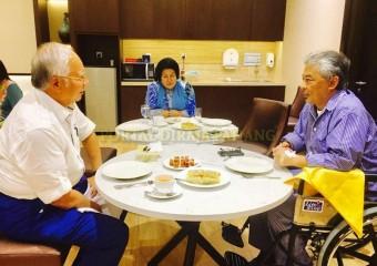Perdana Menteri  Ziarah Pemangku Raja Pahang di Hospital (4)