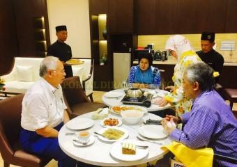 Perdana Menteri  Ziarah Pemangku Raja Pahang di Hospital (5)