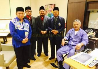 Perdana Menteri  Ziarah Pemangku Raja Pahang di Hospital (8)