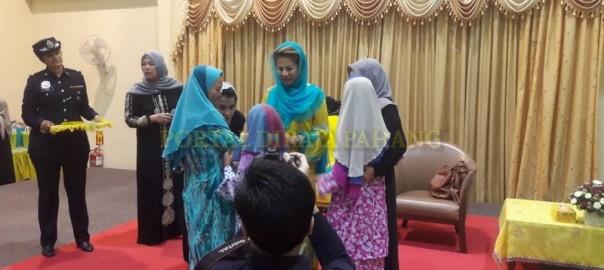 DYMM Sultanah Pahang Kurnia Sumbangan (3)