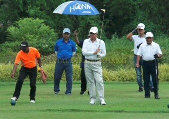 Pemangku Raja dan PM Sertai Golf Di MGCC (5)