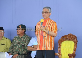 KDYMM Pemangku Raja Pahang Melawat Mangsa Ribut (2)
