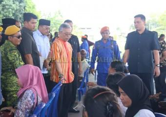 KDYMM Pemangku Raja Pahang Melawat Mangsa Ribut (4)