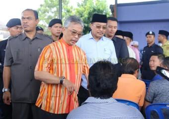 KDYMM Pemangku Raja Pahang Melawat Mangsa Ribut (7)