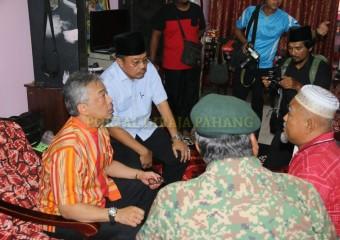 KDYMM Pemangku Raja Pahang Melawat Mangsa Ribut (8)