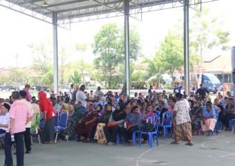 KDYMM Pemangku Raja Pahang Melawat Mangsa Ribut (9)