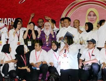 Tunku Azizah Saran Chef Bantu Masak di Pusat Pemindahan Banjir (1)
