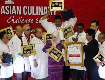 Tunku Azizah Saran Chef Bantu Masak di Pusat Pemindahan Banjir (3)