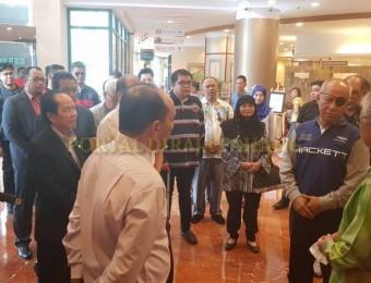 PR Pahang Bercemar Duli Berangkat Ziarah Exco Pahang (4)