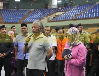 Mangsa Banjir Gembira Dikunjungi Pemangju Raja dan Tengku Puan Pahang (1)