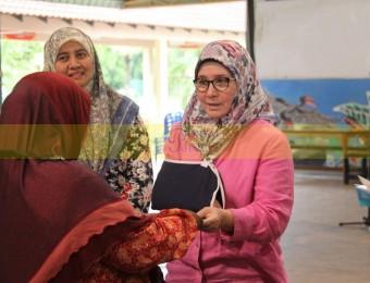 Mangsa Banjir Gembira Dikunjungi Pemangju Raja dan Tengku Puan Pahang (15)