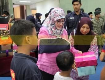 Mangsa Banjir Gembira Dikunjungi Pemangju Raja dan Tengku Puan Pahang (2)