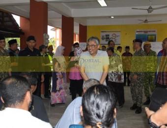 Mangsa Banjir Gembira Dikunjungi Pemangju Raja dan Tengku Puan Pahang (21)