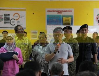 Mangsa Banjir Gembira Dikunjungi Pemangju Raja dan Tengku Puan Pahang (22)