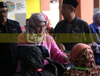 Mangsa Banjir Gembira Dikunjungi Pemangju Raja dan Tengku Puan Pahang (23)