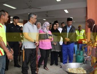 Mangsa Banjir Gembira Dikunjungi Pemangju Raja dan Tengku Puan Pahang (24)