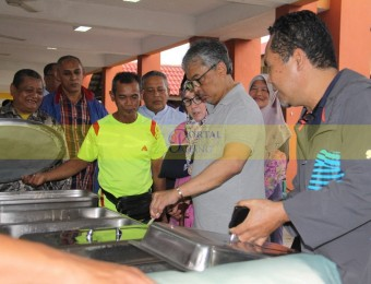 Mangsa Banjir Gembira Dikunjungi Pemangju Raja dan Tengku Puan Pahang (25)