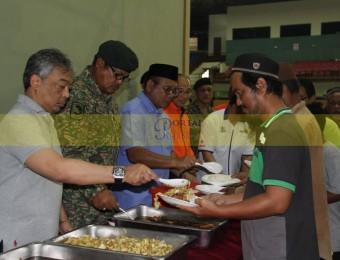 Mangsa Banjir Gembira Dikunjungi Pemangju Raja dan Tengku Puan Pahang (7)