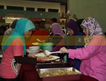 Mangsa Banjir Gembira Dikunjungi Pemangju Raja dan Tengku Puan Pahang (8)