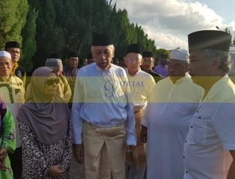 Pemangku Raja Pahang Ziarah Pengebumian Orang Besar Berlapan (14)