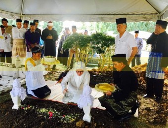 Pemangku Raja Pahang Ziarah Pengebumian Orang Besar Berlapan (15)