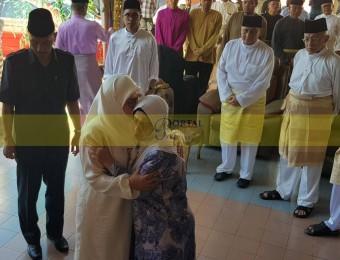 Pemangku Raja Pahang Ziarah Pengebumian Orang Besar Berlapan (2)