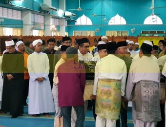 Pemangku Raja Pahang Ziarah Pengebumian Orang Besar Berlapan (6)