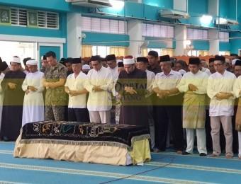 Pemangku Raja Pahang Ziarah Pengebumian Orang Besar Berlapan (7)