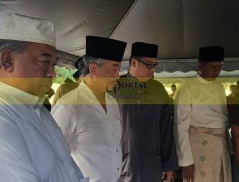 Pemangku Raja Pahang Ziarah Pengebumian Orang Besar Berlapan (9)