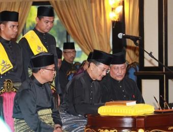 Berkhidmat Tanpa Kira Fahaman Politik (12)