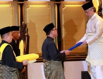 Berkhidmat Tanpa Kira Fahaman Politik (2)