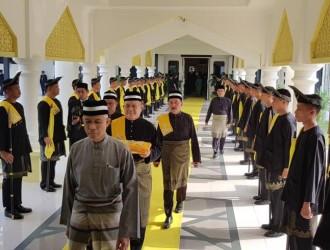 Kurniaan Darjah dan Pingat Kebesaran Pahang (2)
