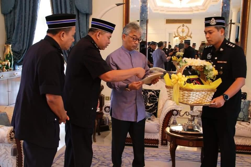 Ketua Polis Pahang Yang Baharu Menghadap Pemangku Raja (12)
