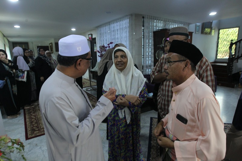 Al-Sultan Abdullah Zahirkan Ucapan Takziah (1)
