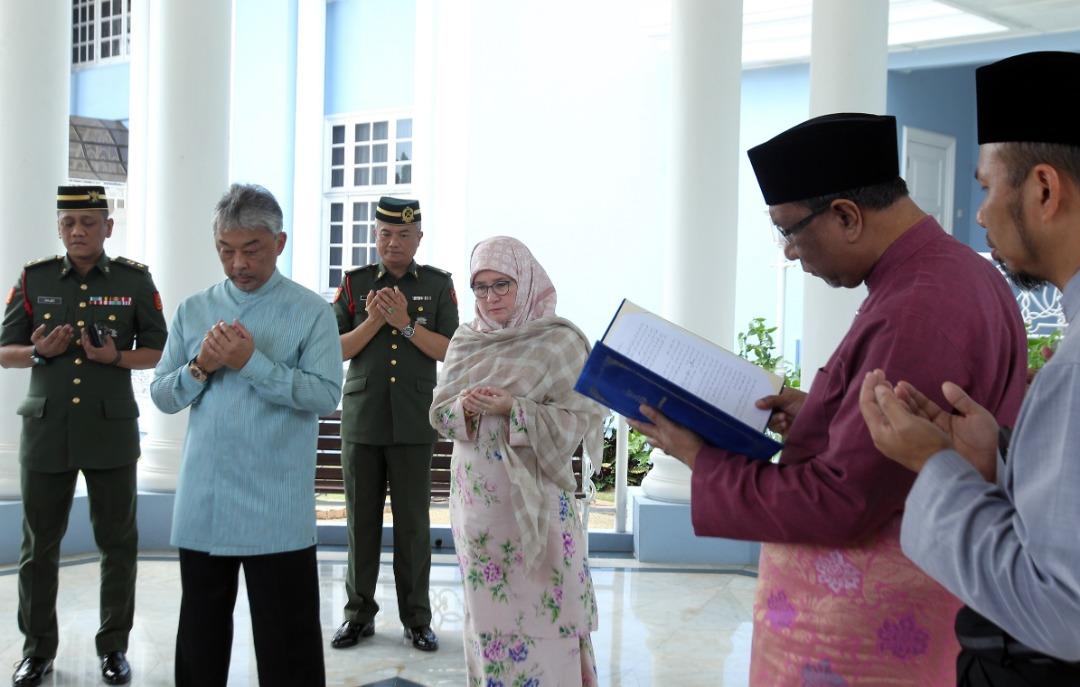 Sultan Pahang dilantik SPB Yang Dipertuan Agong (9)