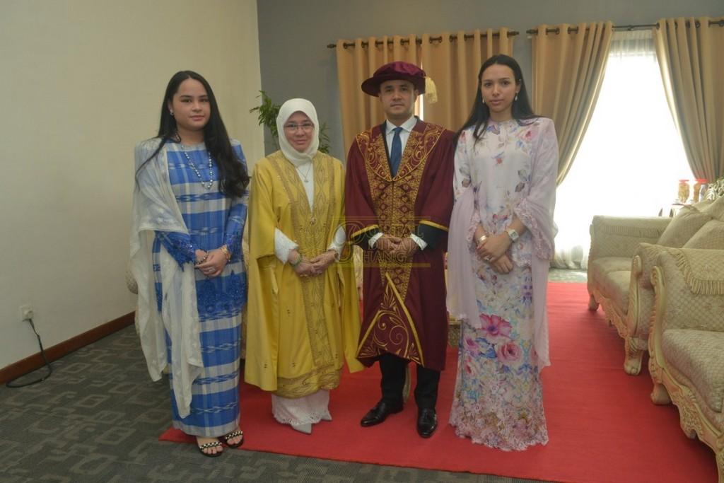 25Raja Permaisuri Agong Dimasyhurkan Canselor UCYP Pertama
